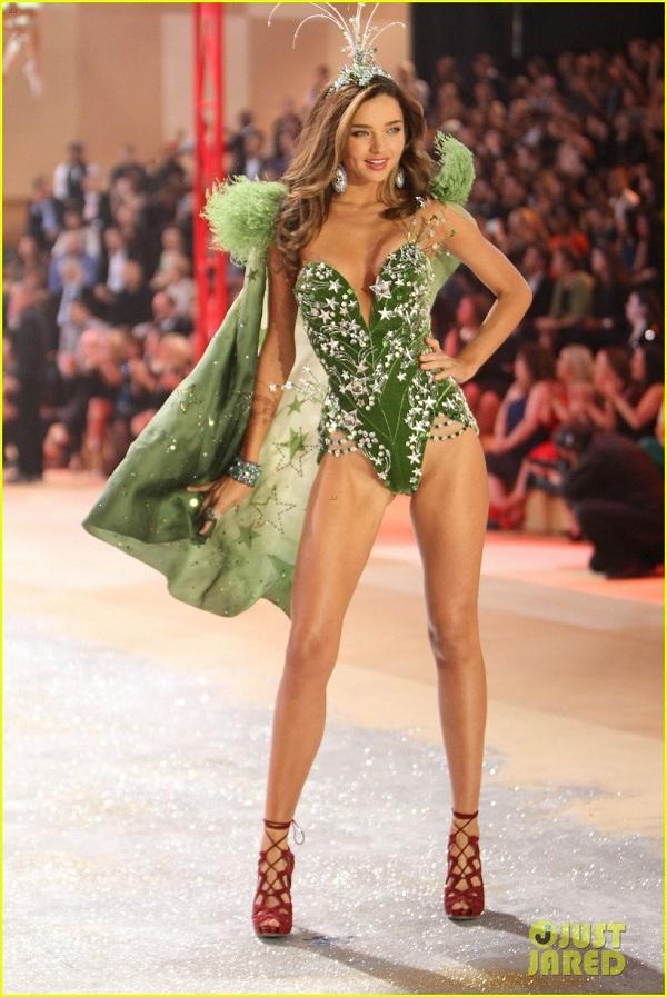 Miranda Kerr victorias secrets fashion show 2012 green bodice