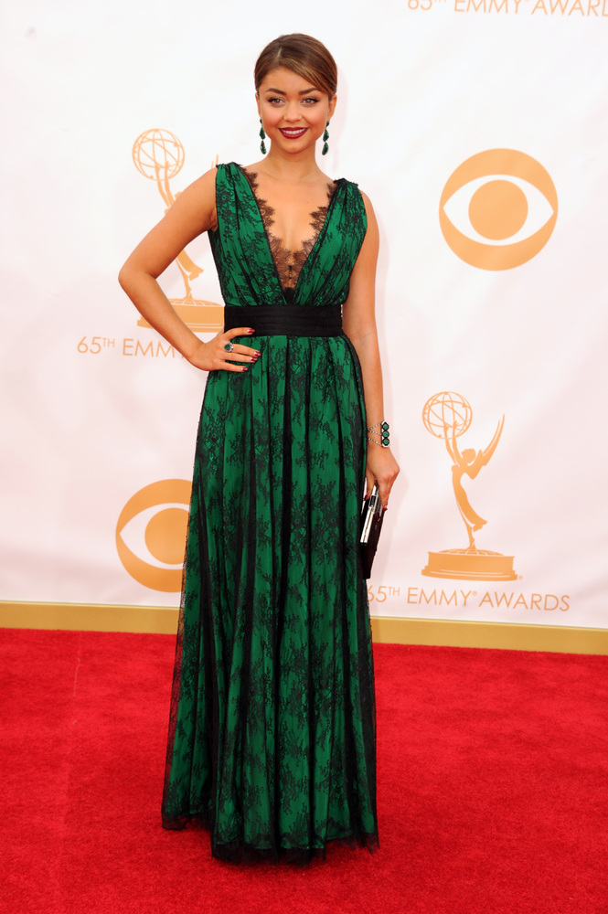 Sarah Hyland in CH Carolina Herrera emerald dress on red carpet 2013
