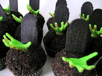 black halloween zombie cupcakes