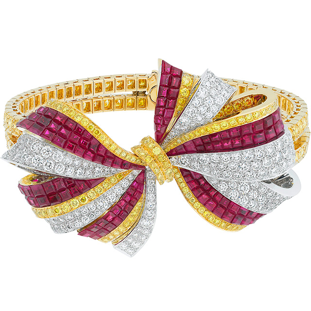 Van Cleef Arpels Bow Bracelet from Ballet Précieux jewelry collection