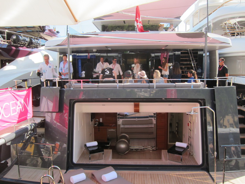 Lifestyle bloggers on board superyacht Logica with Ocean Independence