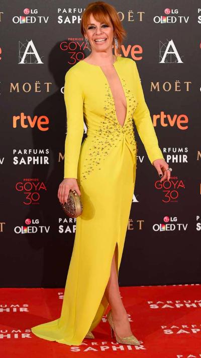 Premios goya 2016 Maria Adanez in yellow Uel Camilo dress