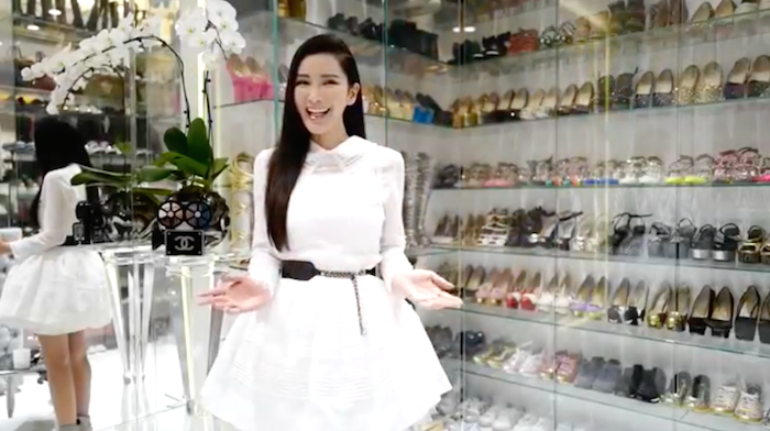 Jamie Chua modern glass shoe rack shoe organizer