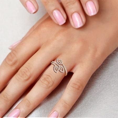 Trio leaf diamond ring yellow gold